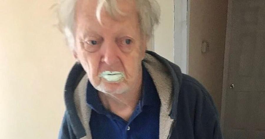 Παππούς, 90 ετών, κατανάλωσε μισό δοχείο μπογιάς γιατί το μπέρδεψε με γιαούρτι.