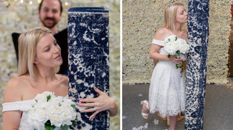26χρονη ανύπαντρη μητέρα παντρεύτηκε με ένα χαλί (Φωτο)