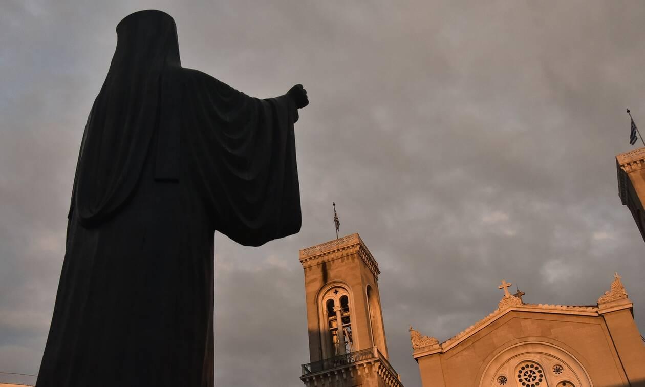 Κορονοϊός – Πάσχα: Κλειστές εκκλησίες και κλειστά μεγάφωνα-Τι αναφέρει η εγκύκλιος της Ιεράς Συνόδου