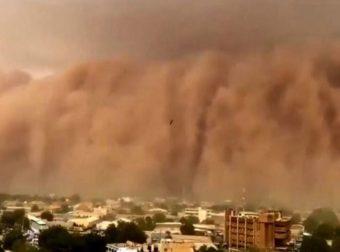 Εικόνες… τρόμου! Τσουνάμι σκόνης «καταπίνει» πόλεις και το θέαμα καθηλώνει (Video)