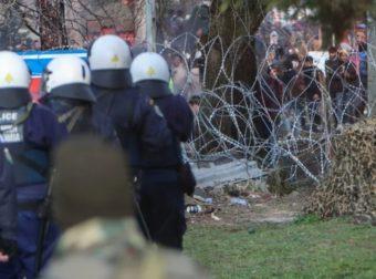 Σε συναγερμό ο Έβρος – Mετανάστες συγκεντρώνονται στα σύνορα και «στήνουν» σκηνικό Μαρτίου (video)