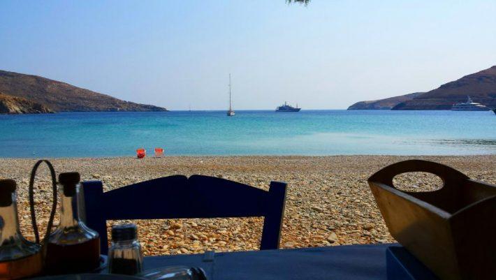 Βούλιαξε από Έλληνες τουρίστες: Το νησί που σάρωσε φέτος το καλοκαίρι χάρη στο πρωτοποριακό «πείραμά» του