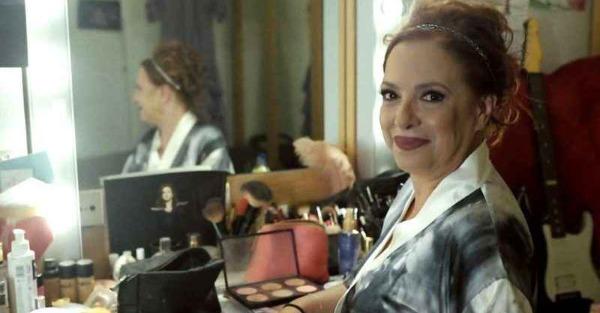 H Ελένη Ράντου «απαντά» στις influencers: Δείχνει το σώμα της στα 55 της με μαγιό