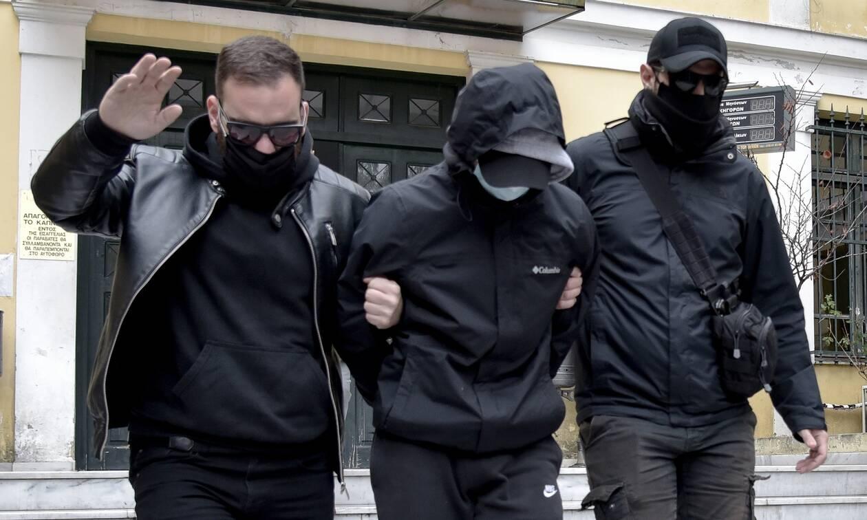 Επίθεση Μετρό: Σε διαθεσιμότητα ο ειδικός φρουρός που συνελήφθη για υπόθαλψη και παράβαση καθήκοντος
