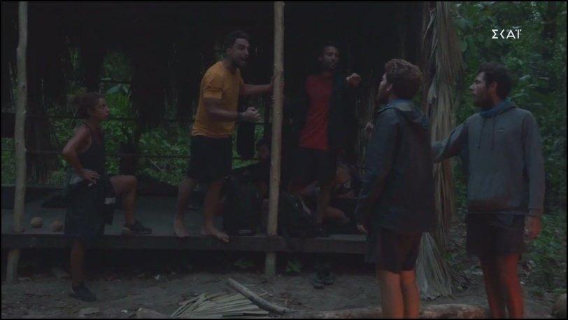 Survivor: Πλακώθηκαν στο ξύλο Τζέιμς και Σάκης, τους χώρισε η παραγωγή (vid)